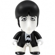 Titan Merchandise - The Beatles TITANS: Black and White Paul Vinyl Figure 12cm