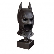 Batman - The DARK KNIGHT Special Edition Cowl